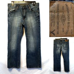 AEO Distressed Classic Bootcut Jeans Mens 33x30